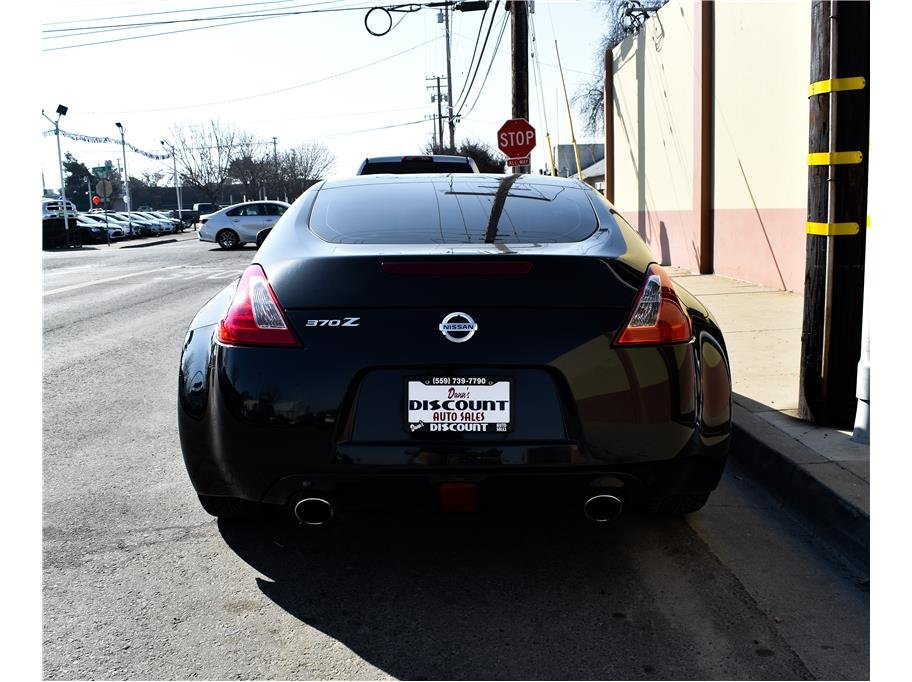 Pre-Owned 2015 Nissan 370Z Base